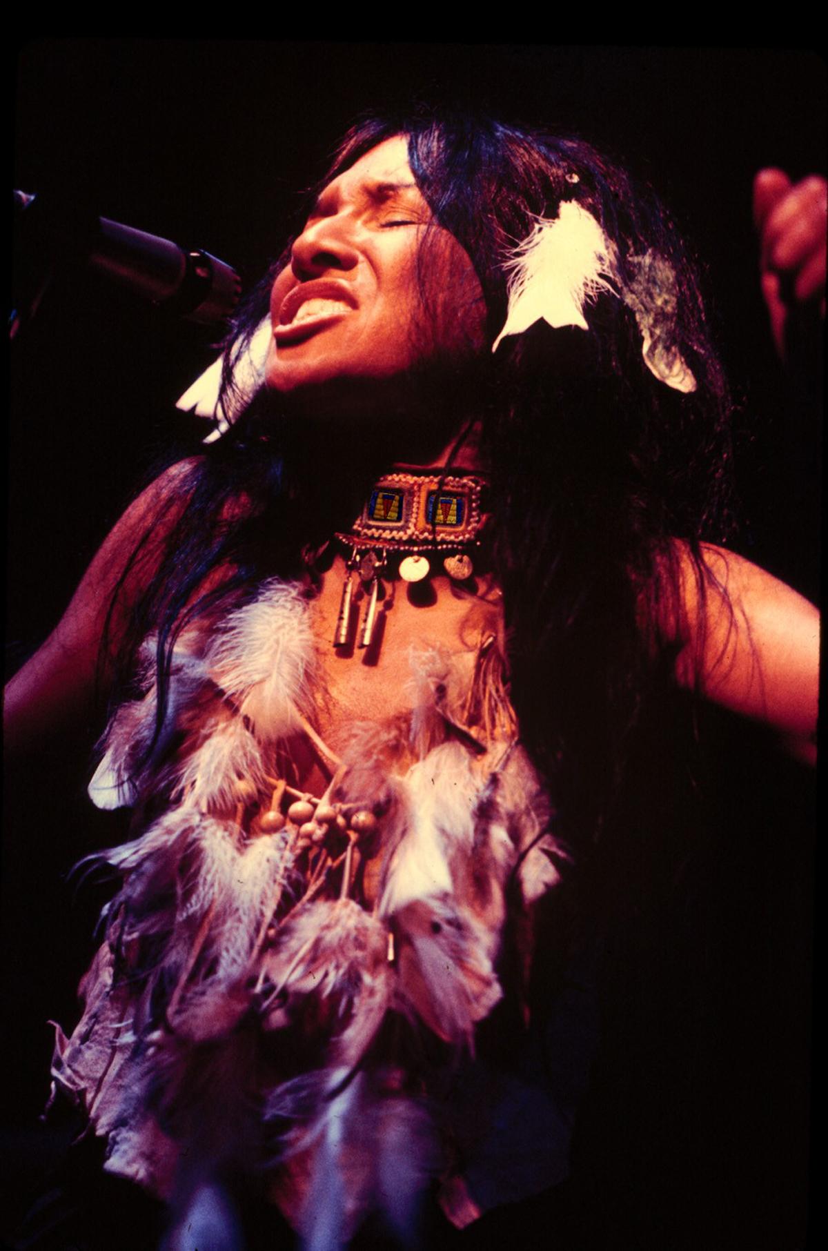 Buffy Sainte Marie Musician Indigenous 1970s