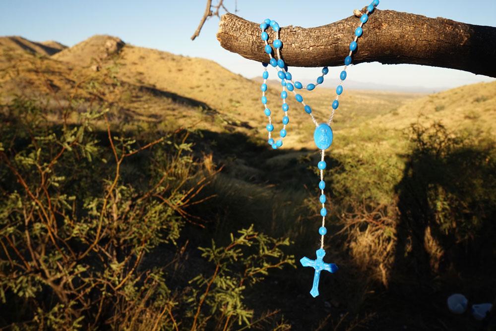 Rosary beads at Mexico border