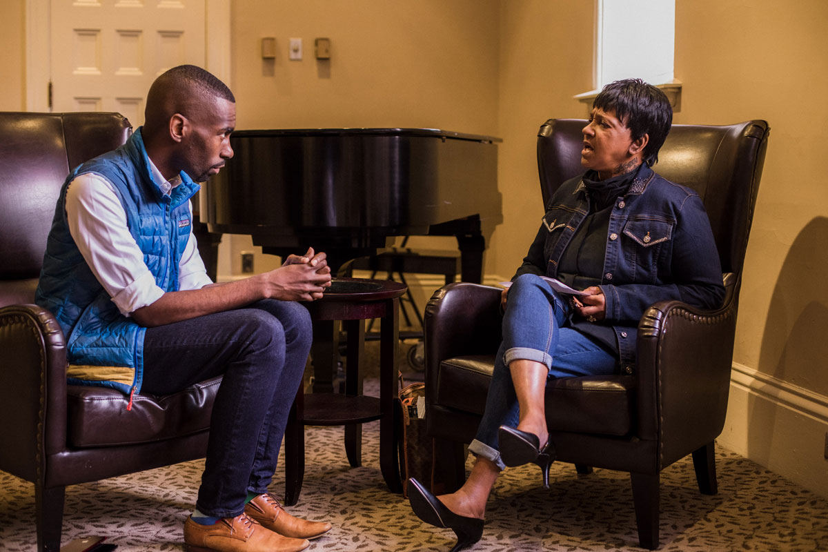 "Street Roots vendor ""Netty"" Johnson interviews DeRay Mckesson"