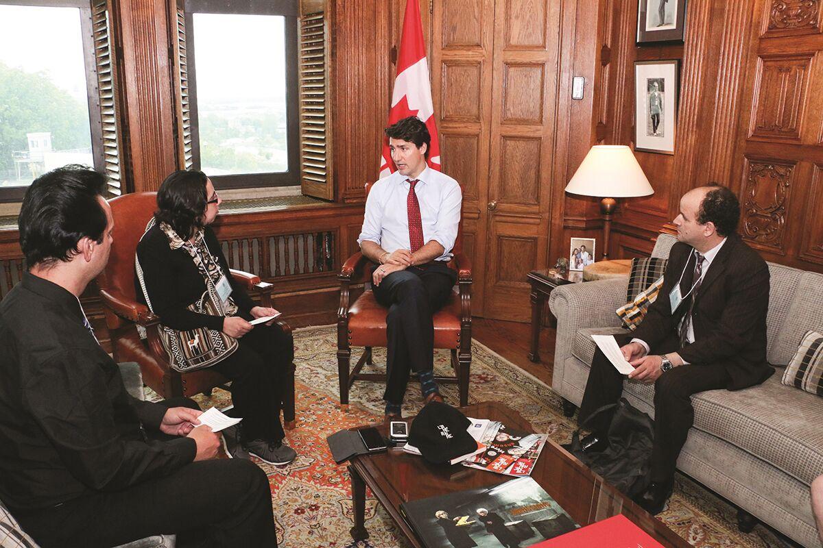 L'Itinéraire vendors interview Justin Trudeau