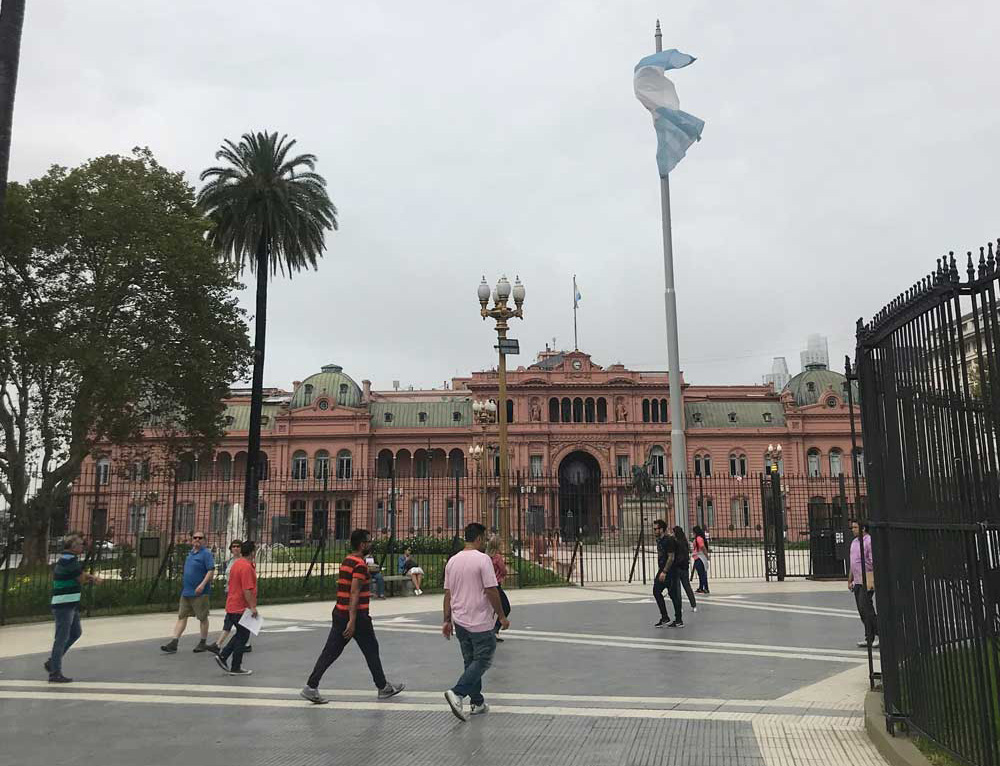 Plaza de Mayo exterior