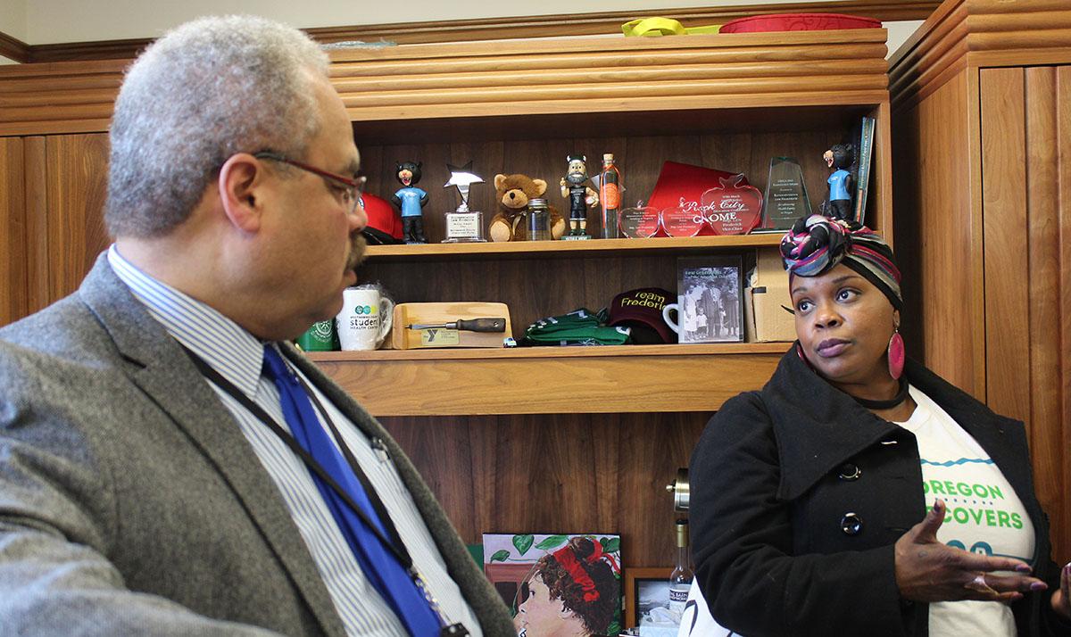 Shannon Olive talks to Sen. Lew Frederick