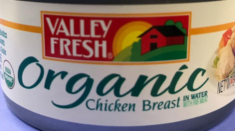 Can of organic chicken with the USDA Organic label