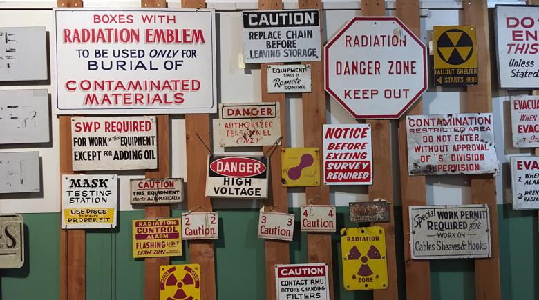 Warning signs displayed at Hanford nuclear site
