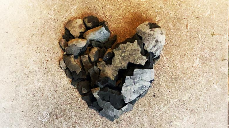 A heart-shaped rock found on an Oregon beach crumbled and re-organized.