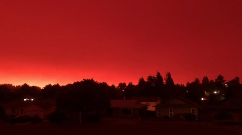 A red sky in Salem