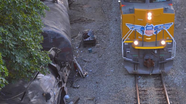 Train passes Mosier derailment