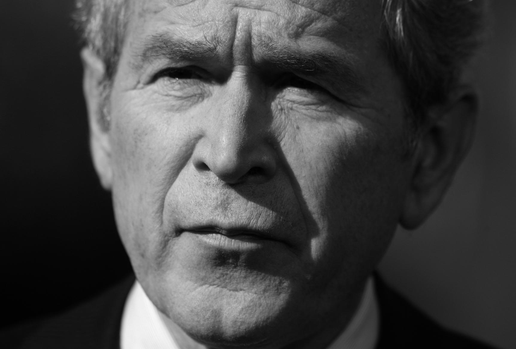 """Attēlu rezultāti vaicājumam """"george bush black and white"""""""